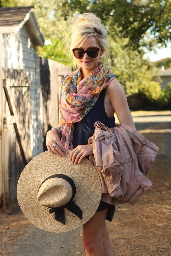 HAIRSTYLE: Outfits, Summer Scarves, Fashion, Summer Looks, Messy Hair, Summer Style, Straws Hats, Scarfs, Big Hats