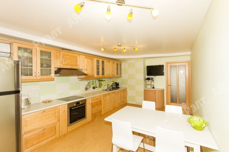 Кухня, салатовый и зелёный.