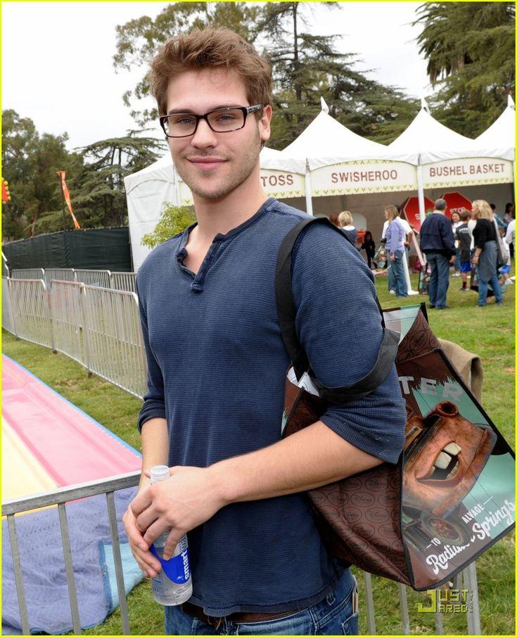 Grey Damon, awe he is so cute/attractive!