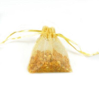 Sachet d'ambre naturel brut dans son sachet d'organza or - Bijoux d'Ambre