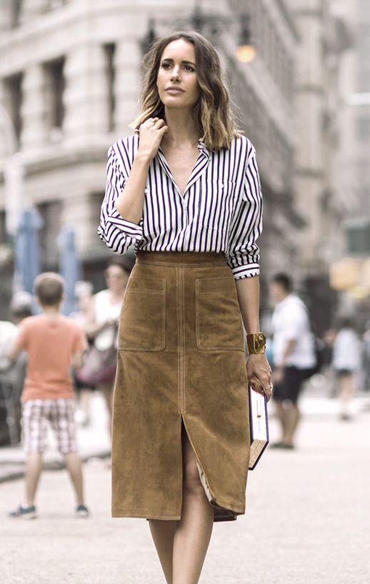 スリット入りスエードスカートと合わせてレディに仕上げる♡ ストライプのアイテムを使ったコーデ術。参考にしたいファッションスタイルのまとめ☆