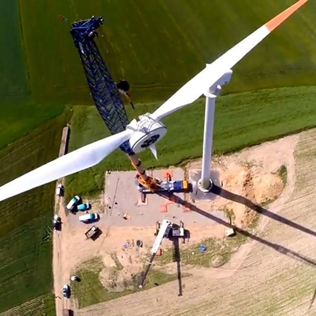 Element weighing 28 tons mounted #EnergyInvestGroup #eig #investment #inwestycjewrealnawartosc #inwestycja #enercon #investinpoland #ekologicznaelektrownia #windkraftanlage #windturbine #poland #inwestycjewwiatraki #energiewende