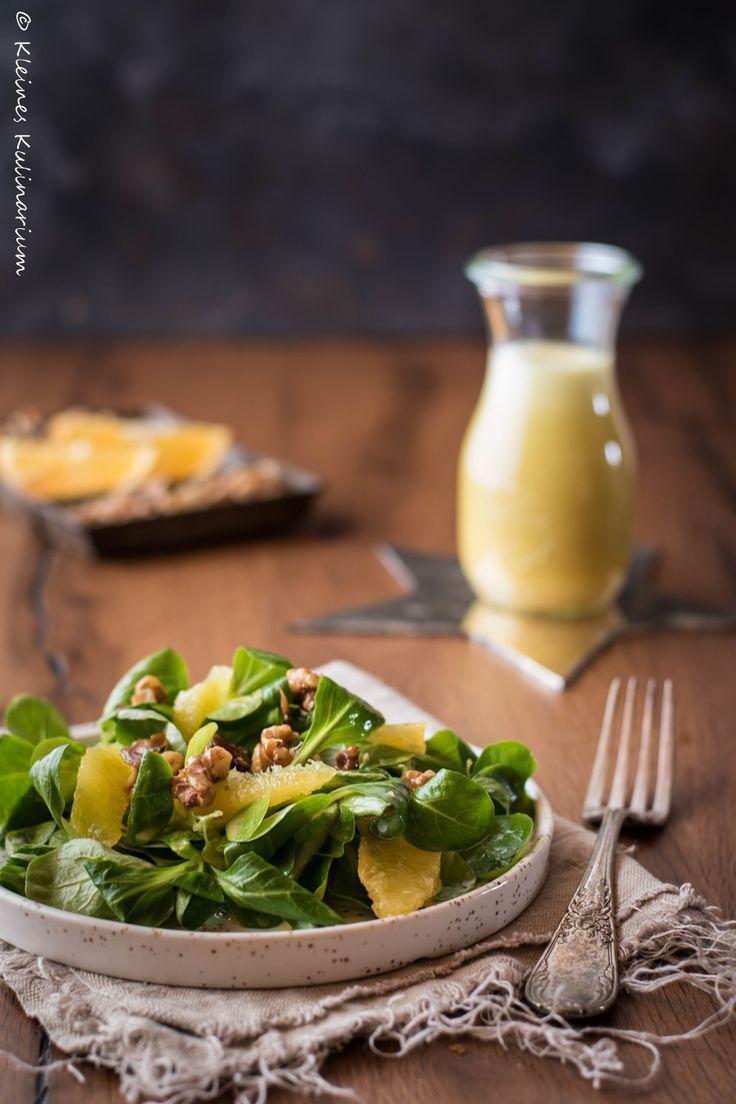 Feldsalat mit Orangenvinaigrette und karamellisierten Walnüssen