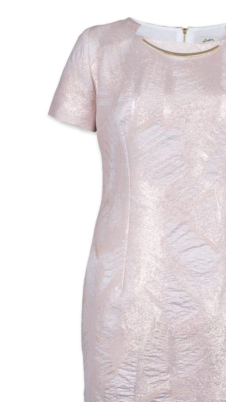 Sukienka Lena - zbliżenie na fakturę materiału.