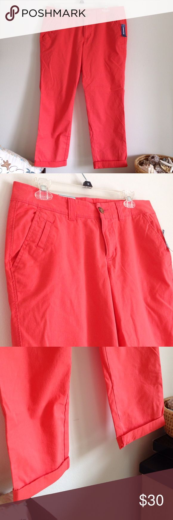 """🚨MOVING SALE🚨 Coral Capri Pant It's beautiful color coral. Pockets. Fold at end of Capri. Brand new with tag. 97% cotton and 3% spandex. Stretch. Boyfriend skinny, low rise, relaxed skinny legs. Measurement laying flat: waist: 17.5"""" length: 33"""" inseam: 25"""" (24) Old Navy Pants Capris"""