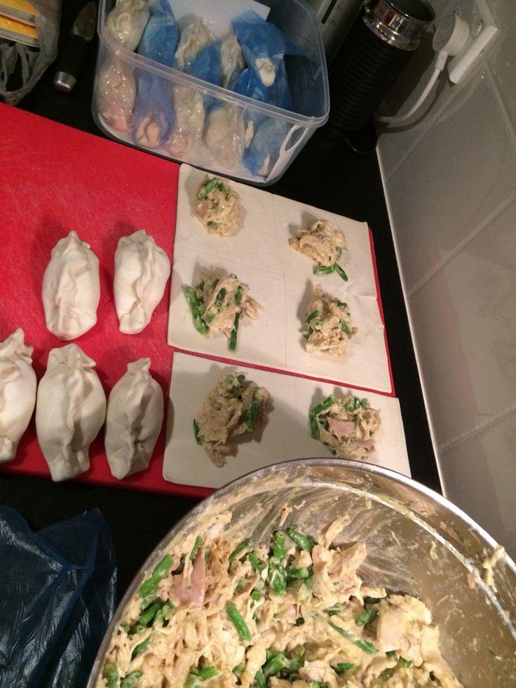 Green Thai chicken curry pies