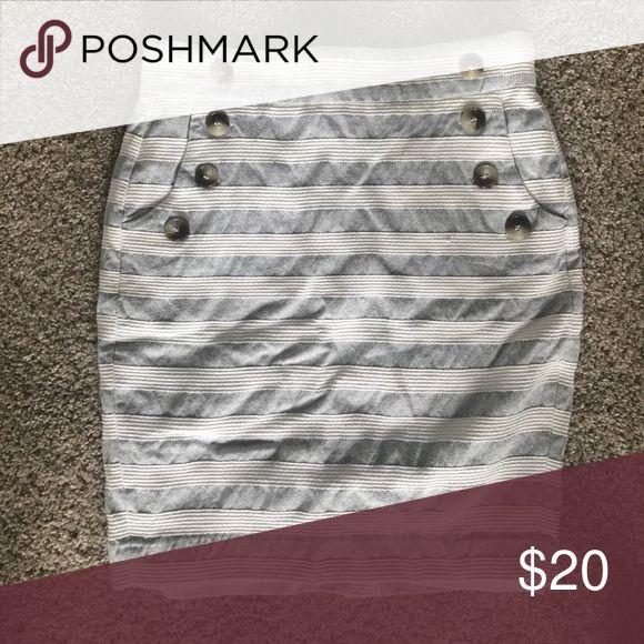 Loft nautical skirt White and gray/blue nautical skirt. Size 4P. LOFT Skirts Pencil