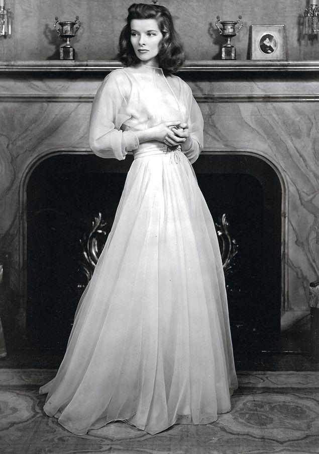 Katharine Houghton Hepburn foi uma importante atriz dos Estados Unidos. A carreira de Hepburn é vista como uma das mais famosas de Hollywood e durou por mais de 60 anos.