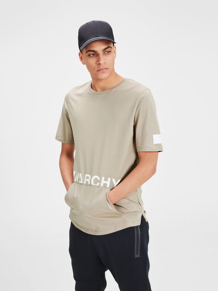 Long beige t-shirt with strong white graphic print and a kangaroo pocket | JACK & JONES