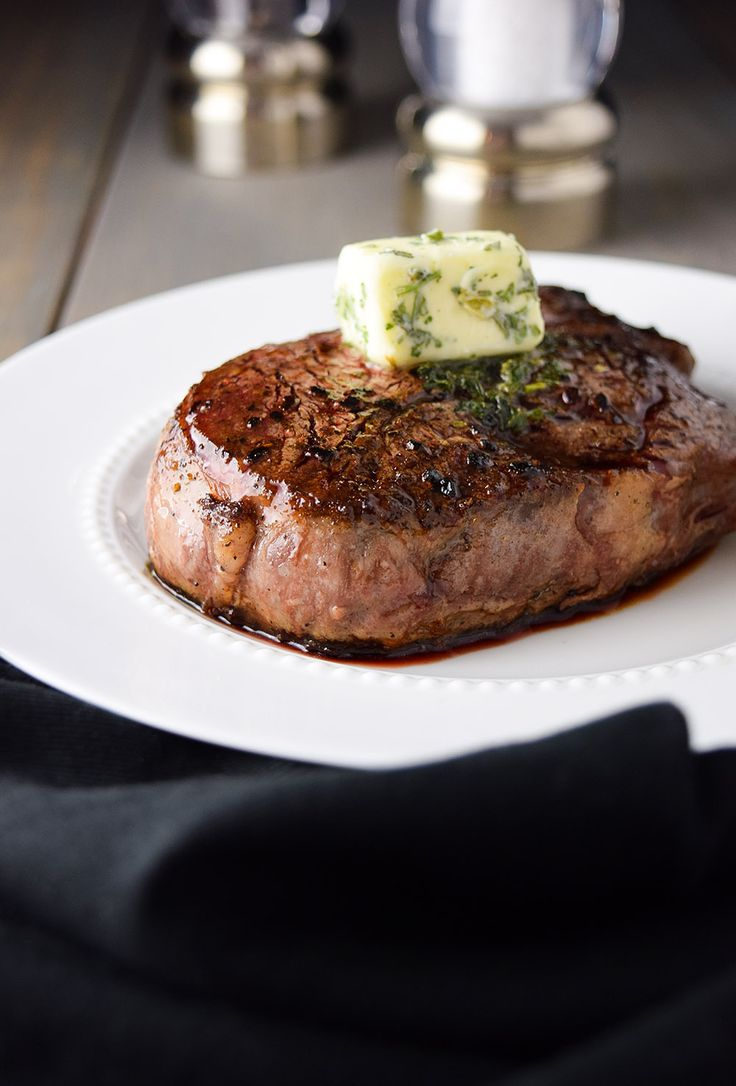 Filet mignon with butter and garlic and herbs   – FLEISCH