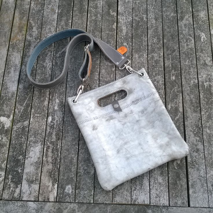 Raw leather bag / tote