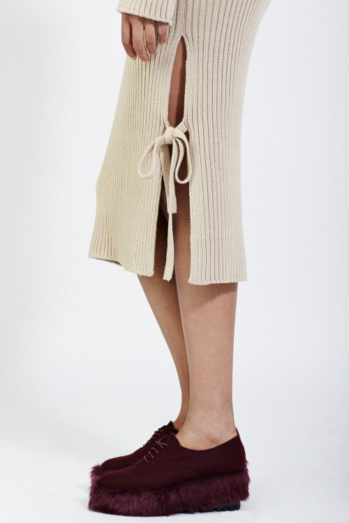 what-do-i-wear:LOW CLASSICSIDE SLIT KNIT LONG DRESS