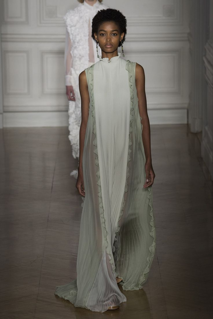 http://www.vogue.com/fashion-shows/spring-2017-couture/valentino/slideshow/collection