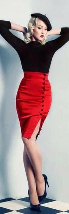 Actrices de la época como Lana Turner y Jane Russel popularizaron un sweater muy ajustado que reafirmaba escandalosamente el busto femenino al ser usado con un sostén ensalzador debajo.