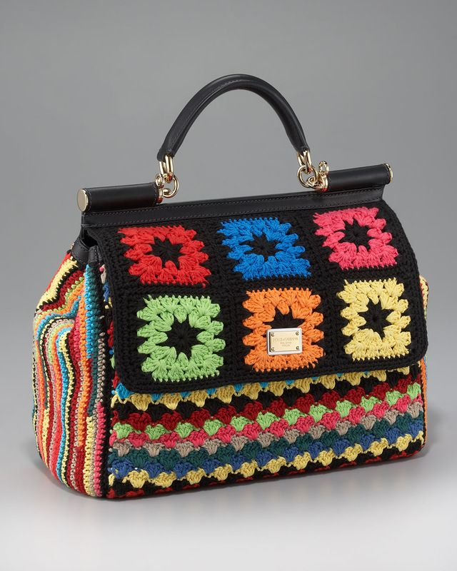 Dozens of crochet bags to inspire (and a few knitted). Pictures only. There's an article on this particular bag here: http://www.crochetconcupiscence.com/2012/02/what-would-you-charge-for-this-dg-crochet-bag/