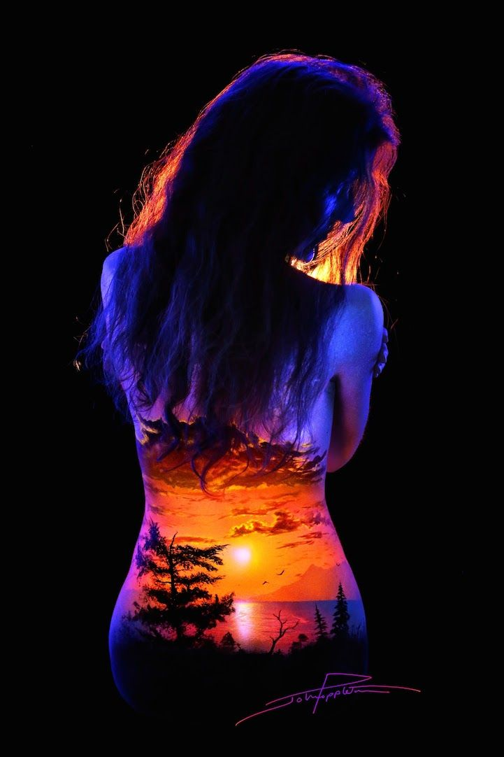 Spectacular Fluorescent Bodyscapes Illuminated with a Black Light - My Modern Met