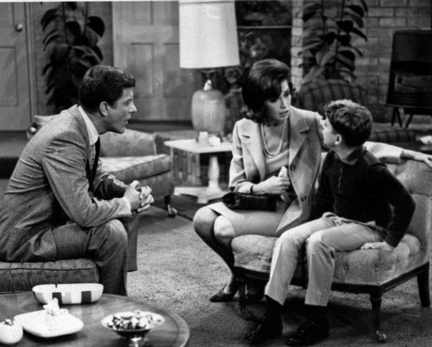Larry Mathews, Mary Tyler More & Dick Van Dyke What a cute little family