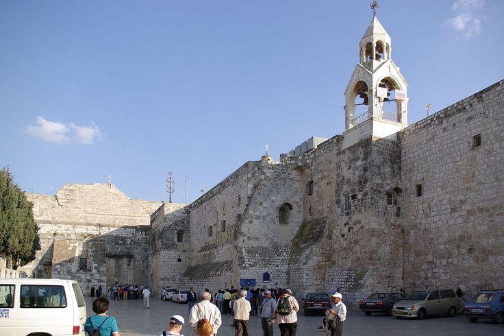 Basílica da Natividade, construída sobre a gruta onde Jesus nasceu   #BasílicaDaNatividade, #Israel, #Jesus, #Jmj, #LugaresDoMundo