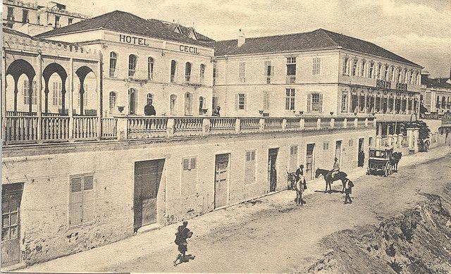 https://flic.kr/p/22rYxd | Hotel Cecil 1907 | lo que me gusto de la foto ademas de los antiguos edificios es la carroza que esta al fondo.