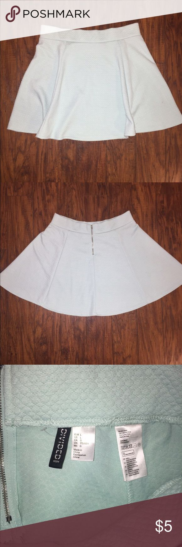 """h&m mini skirt, quilted mint green! quilted mint green skirt from h&m, size large. 18"""" long, zipper down the back. skater cut H&M Skirts Circle & Skater"""