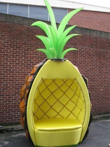 Pinneaple chair pinneaple things pinterest ma for Objet deco ananas
