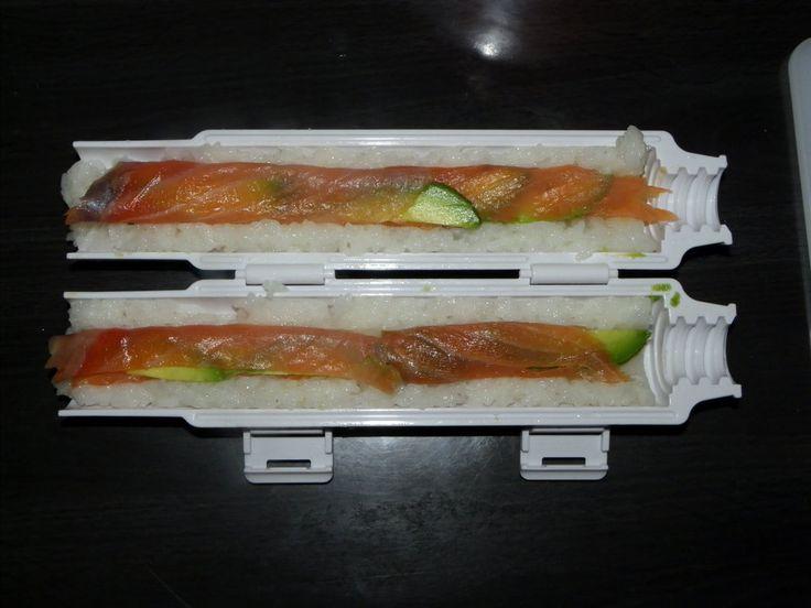 Les 233 meilleures images du tableau cuisine geek sur pinterest cuisines appareil et avions - Comment faire des sushi ...