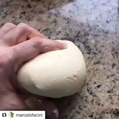 Receita de Massa Fresca sem Glúten sem Leite e Lactose! Esta massa fica incrível e é super versátil. Dá para fazer massa de lasanha, talharim, ravioli, rondelli, capeleti, canelonni e muito mais!