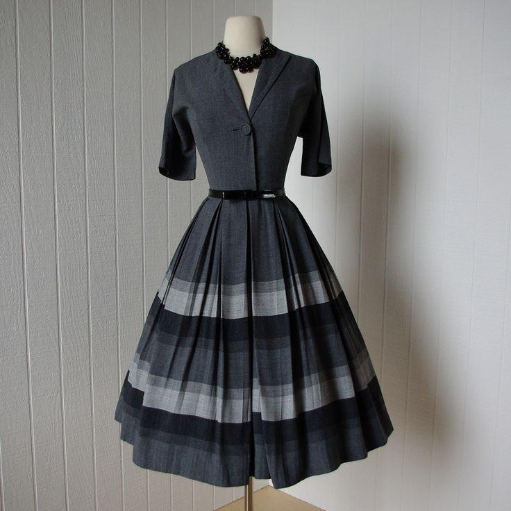 Grey pleated shirtwaist gradient dress. 50's