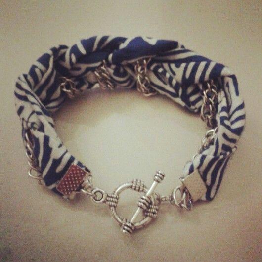 Sailor blue friendship bracelet by www.pelopeshop.blogspot.com