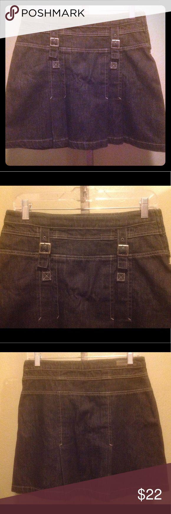 SALE 💄 Calvin Klein denim skirt size 4 EUC black denim skirt. Size 4 Calvin Klein Jeans Skirts Mini