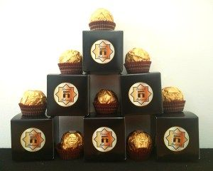 Umrah Mubarak  Favour  Boxes, 10 pack, comes with Umrah Mubarak stickers, flat packed, easy to assemble, £4