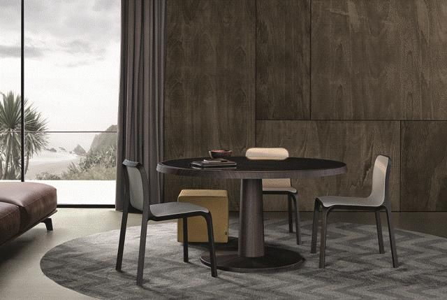POLIFORM: Anna table, Ley chairs, Play pouf and Tribecca pouf in leather