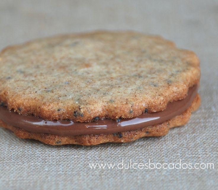 Las galletas originales llevan harina de trigo integral, pero pensando en los celíacos hice algunos cambios y salieron estas galletas que so...