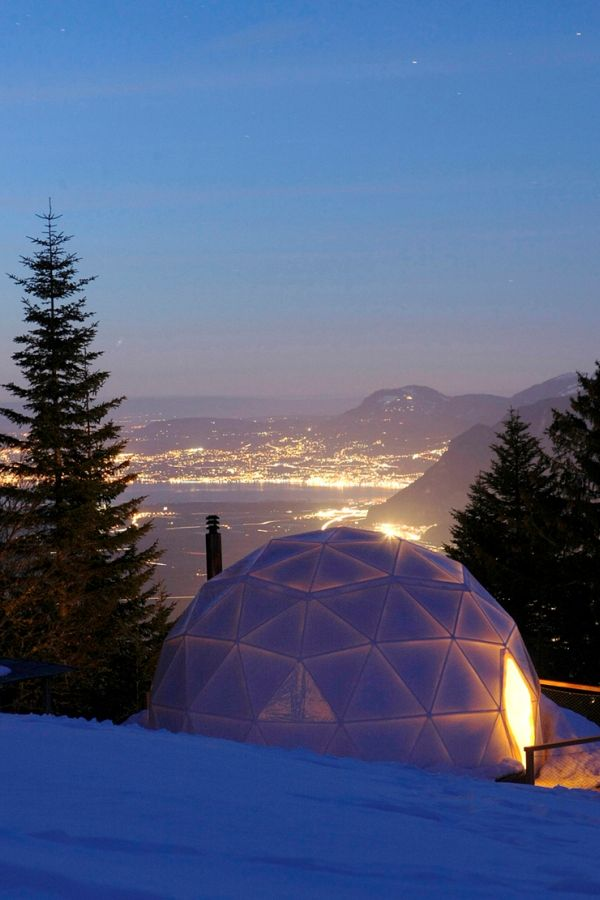 White Pod Resort, Valais, Switzerland.  http://blog.favoroute.com/top-10-eco-travel-hotels/