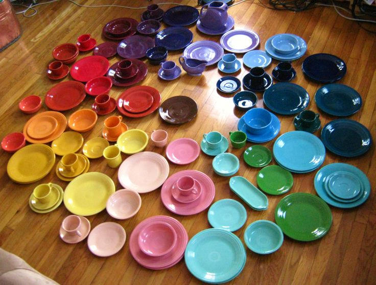 Iu0027m the only woman I know who literally takes out her dishes and plays & 909 best Fiestaware images on Pinterest | Fiesta ware Fiesta ...