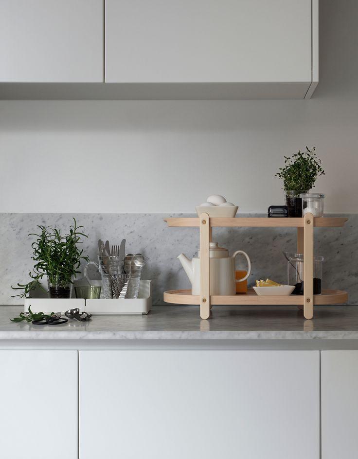 Witte keuken met marmeren werkblad #marble #kitchen