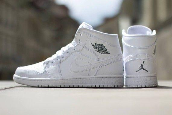 Nike Air Jordan 1 Mid: White/White