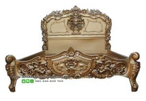 model tempat tidur rococo mewah finishing duco, lihat furniture kayu dari jepara lainnya