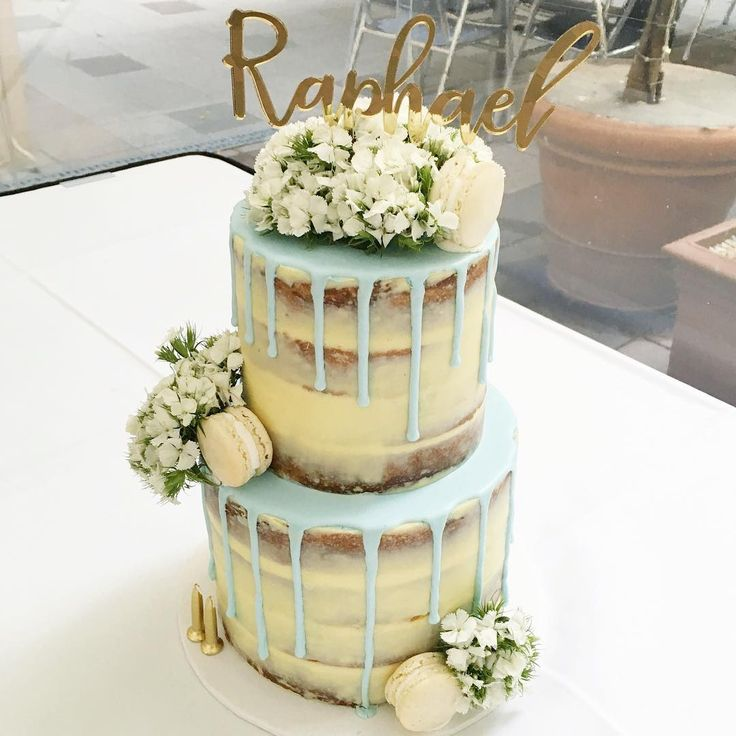 Naked cake with blue drip & beautiful blooms ✨