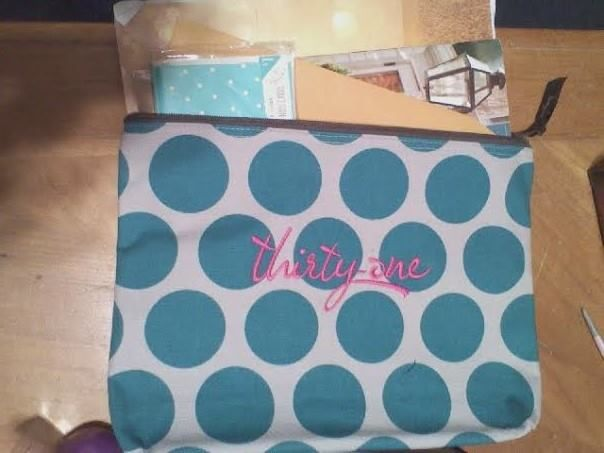 Thirty Ones Regular Zipper Pouch Can Hold A Full Sized Catalog
