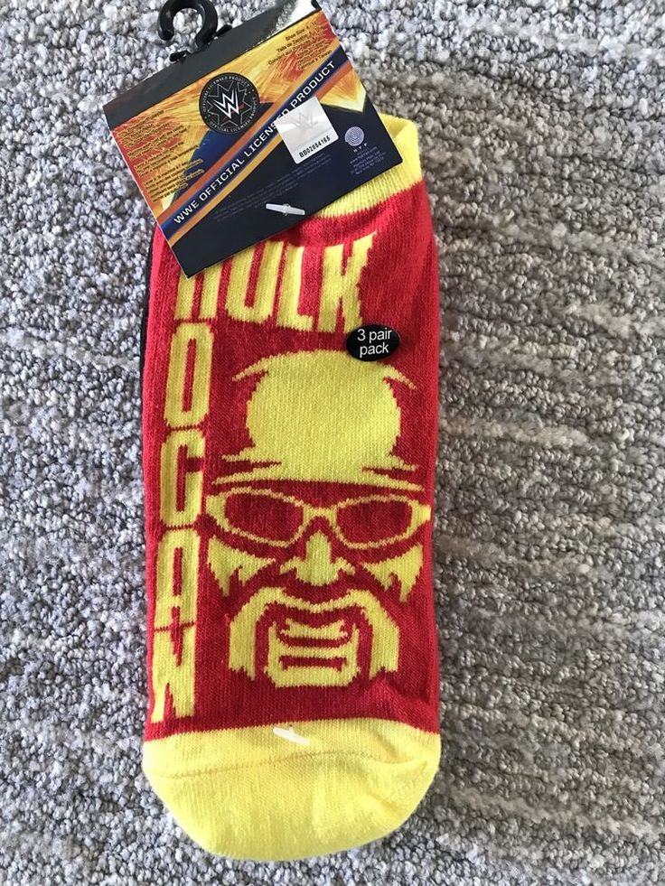 HULK HOGAN Socks Adult Size 4 Through 10  WWF Wrestling NEW WWE Official 3 Pack #WWE