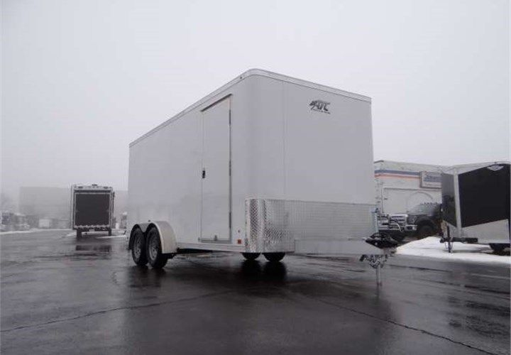 Custom 7 X 16 Landscape Trailer This Trailer Features One Piece Aluminum Roof 3 8 Plywood Interior Walls Landscape Trailers Aluminum Roof Plywood Interior