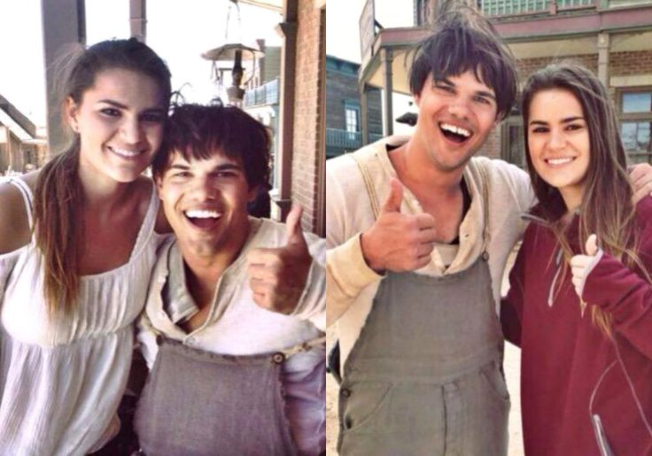 Taylor Lautner His Siter Makena On The Set Of The Ridiculous 6 Taylor Lautner Taylor Couple Photos