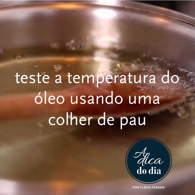 Testar a temperatura do óleo e muito mais: a colher de pau pode fazer maravilhas em sua cozinha. Esta e outra dicas para fazer com a colher de pau você encontra explicadas por Flávia Ferrari nesta postagem do DECORACASAS.