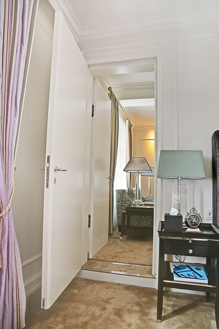 Hotel D'Angleterre | Custom Flush Door produced by Vahle A/S