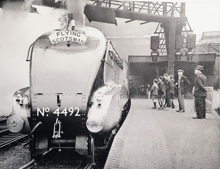 4492 Dominion of New Zealand - 1937 (46 days in service!) - at King's Cross.
