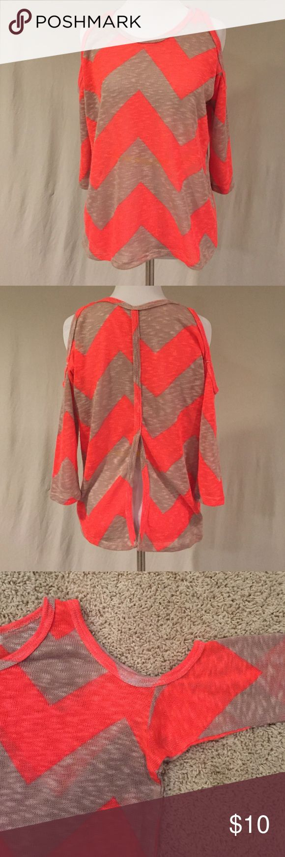 Charming Charlie's Chevron Top Charming Charlie's Chevron Top, size small. Cold shoulders, split back. Worn once. Charming Charlie Sweaters Crew & Scoop Necks