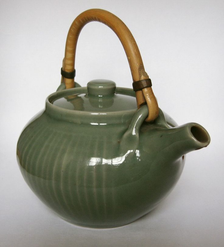 Harry and May Davis - Crowan Pottery - A gallery of pots