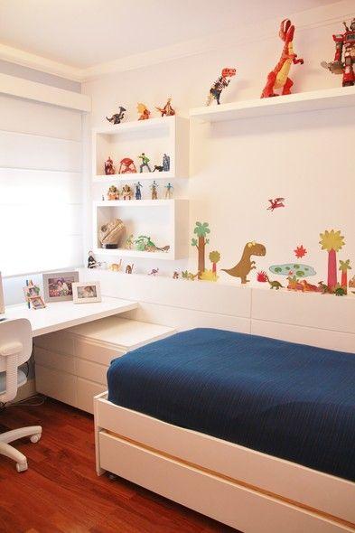 Carros, dinossauros e azul, muito azul! Inspire-se nesses quartos cheios de elementos que os meninos vão adorar!