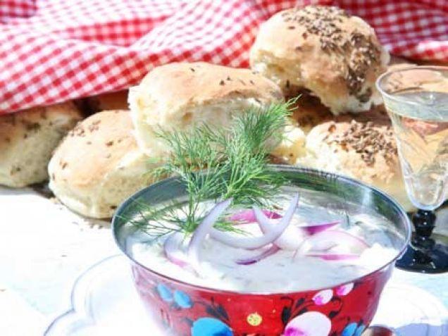 En röra att doppa bröd och kräftor i brukar alltid vara populärt.
